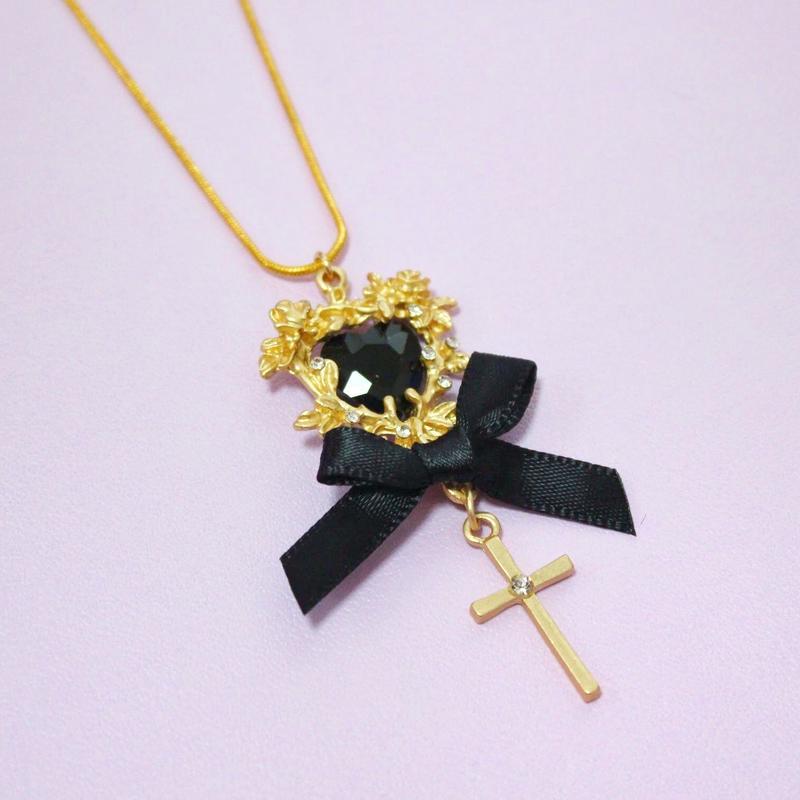 ブラックハートクロスネックレス/ Black Heart Cross Necklace
