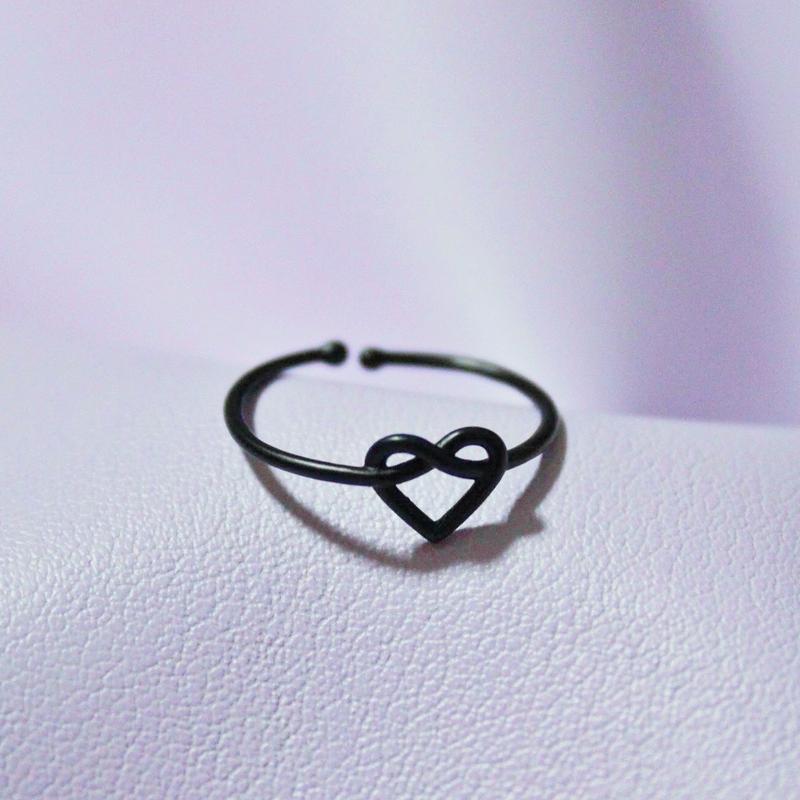 ハートリング(ブラック)/ Heart Ring(Black)