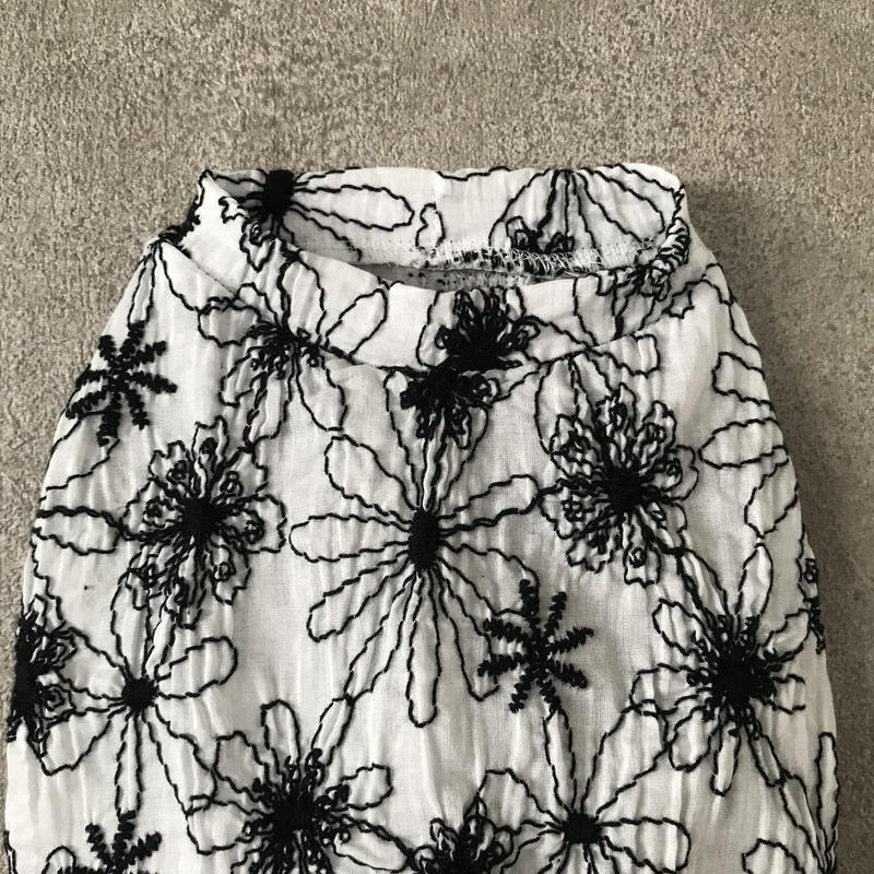 ORIGINAL  sheer flower tank top . [ white ]
