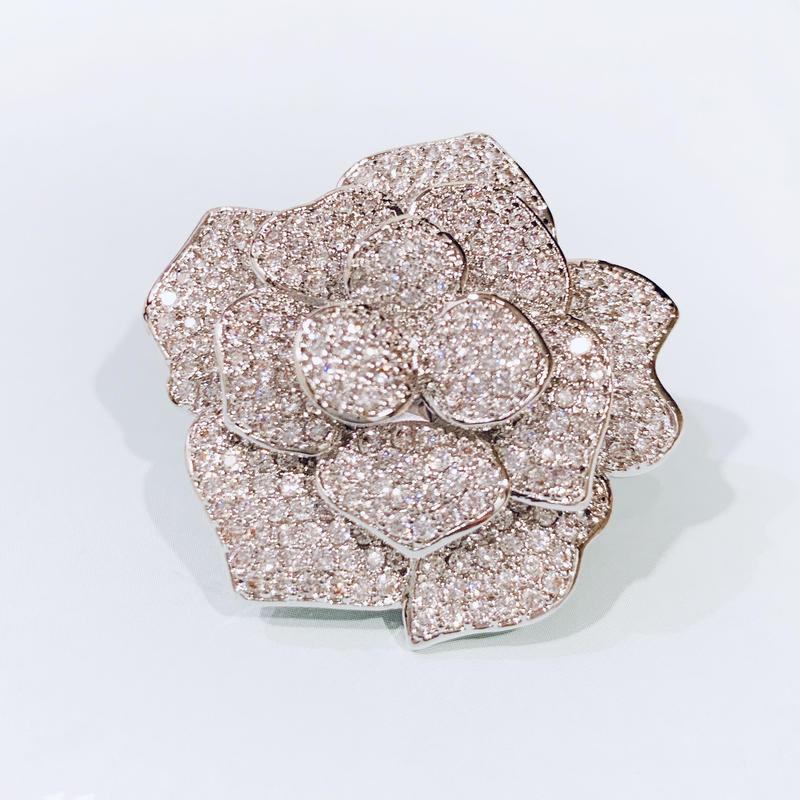 AAAcz Camellia Brooch