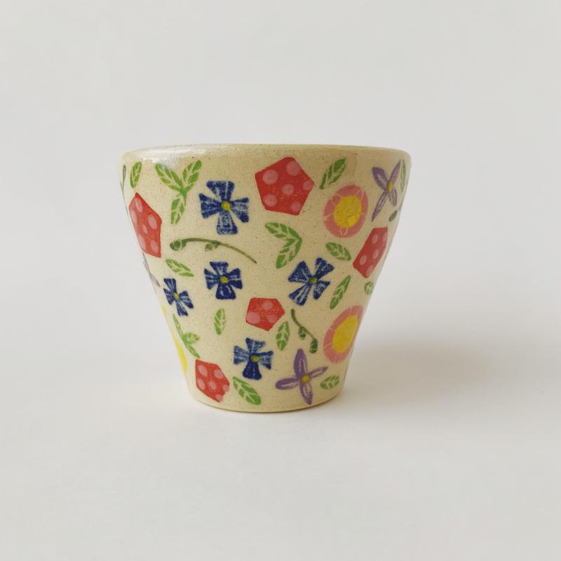 色絵付けフリーカップ(花畑)