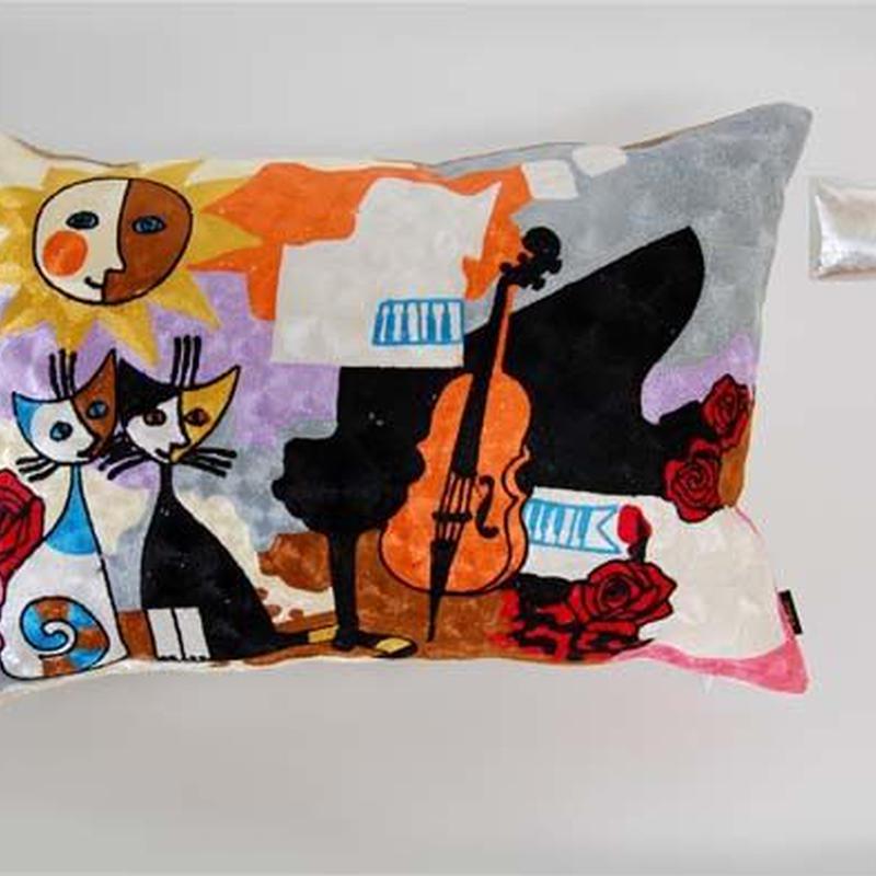 刺繍クッション(40×60) ロジーナ「ピアノと一緒」 商品番号:is1087-rc-61