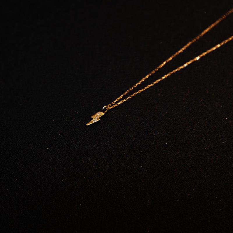 ゴールドネックレス イナズマ K18 ダイヤ