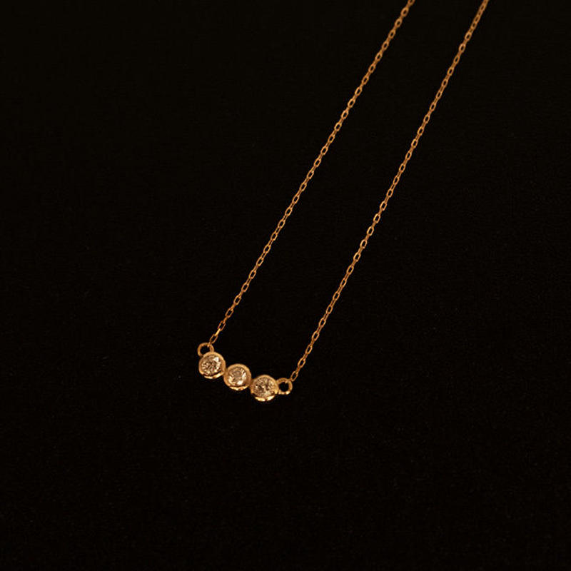 ゴールドネックレス 三連 K18 ダイヤ
