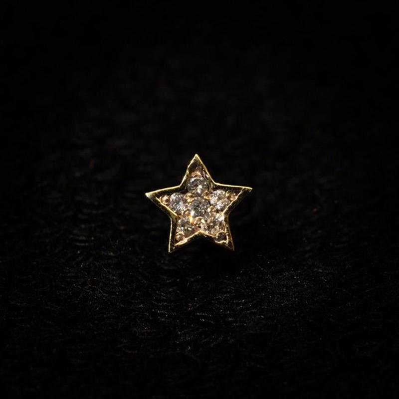 ゴールドピアス スター K18 ダイヤ