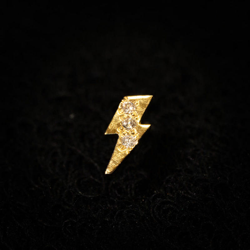 ゴールドピアス サンダー K18 ダイヤ