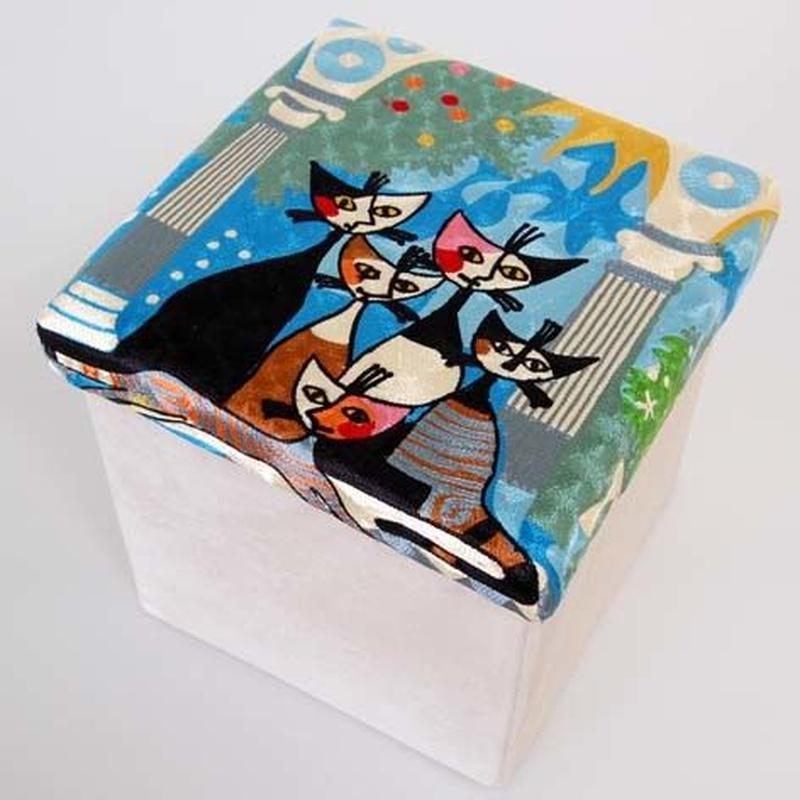 刺繍スツール(30×30×30) ロジーナ「ビバファミリー」 商品番号:is1087-rs-43