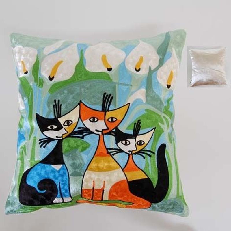 刺繍クッション(45×45) ロジーナ「カラーと仲間」 商品番号:is1087-rc-29