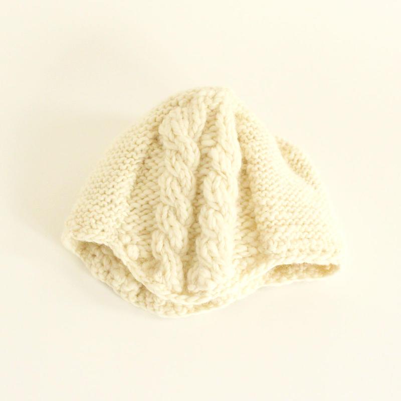 Cable Stitch Knit Cap (White)