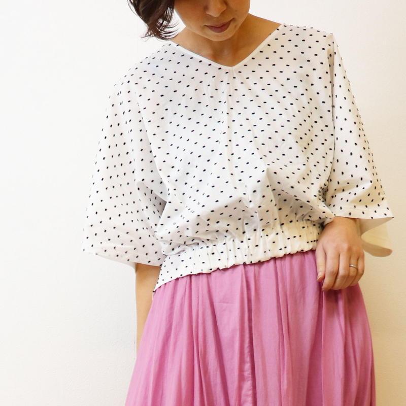 【 malla | マーラ 】 ドット刺繍プルオーバー  |  92UT682