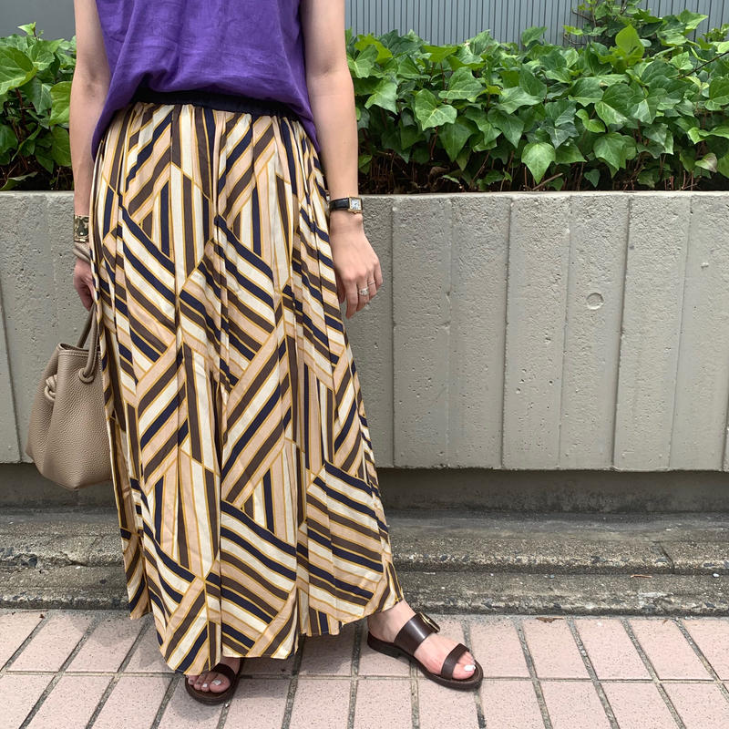 ランダムストライプ柄スカート