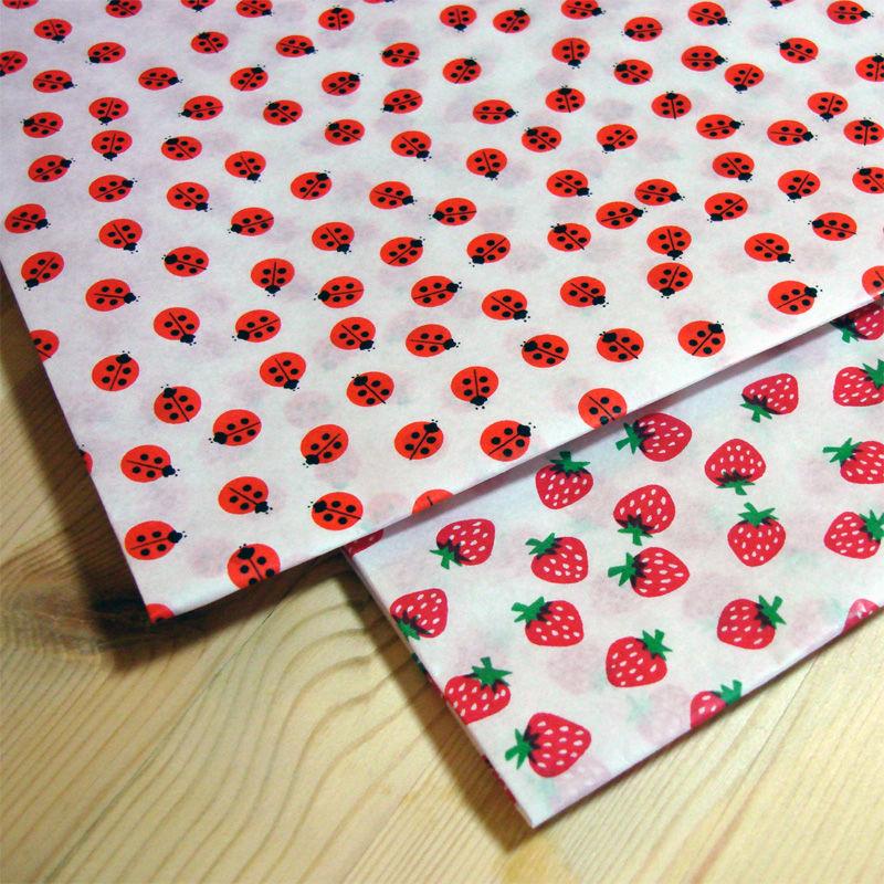 レトロ包装紙*いちご、てんとう虫