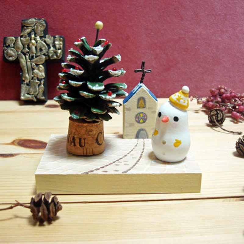 クリスマスミニオブジェ*松ぼっくりツリーと黄色ニット帽のスノーマン