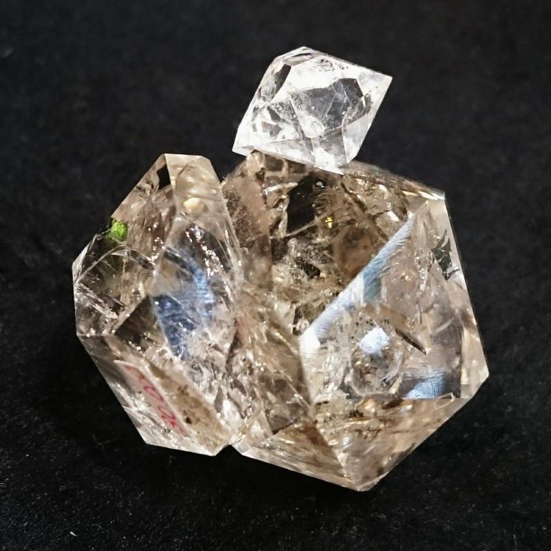 【ご予約で即日完売!】【今回入荷の中で透明度No.1!】信じられないほどのキラッキラの輝きと形の可愛らしさ…!ニューヨーク州でしか産出されない稀少なクリスタル☆「ハーキマーダイヤモンド」