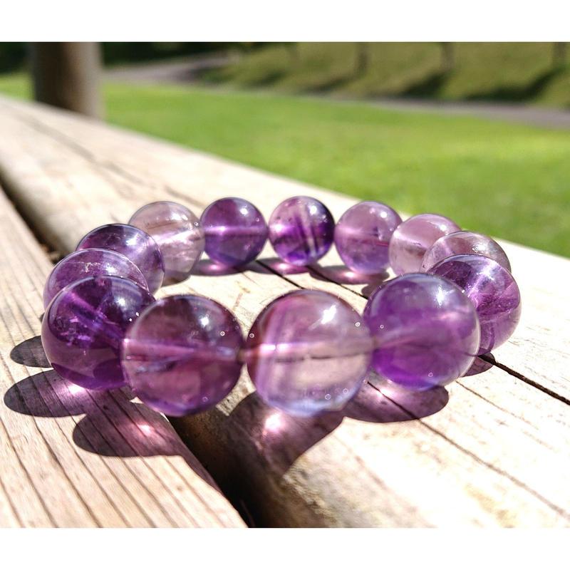 私「MIRIA」も日々愛用中!うっとり崇高な紫色の波動を貴方にも…!☆霊感・霊力・直感力・スピリチュアルパワーアップ!「高品質大玉アメジスト14mm玉パワーブレスレット」