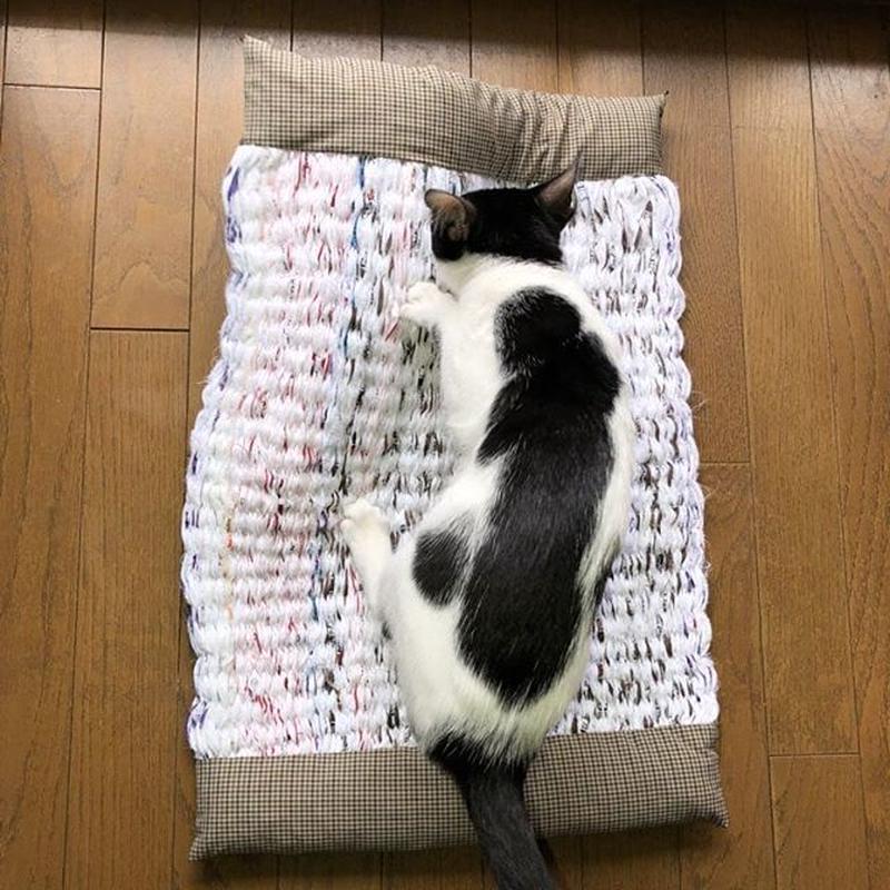 さき織り 猫マット  中サイズ