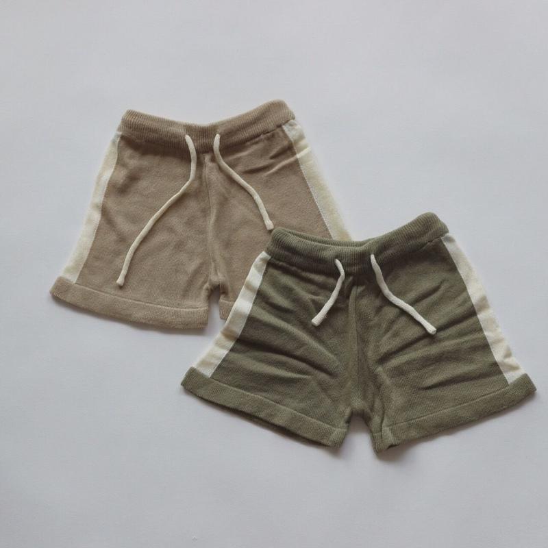knit line shorts
