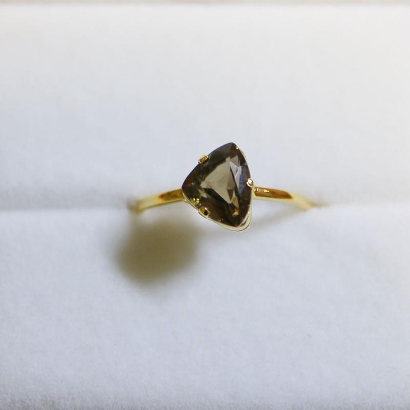 Ash Spinel Ring