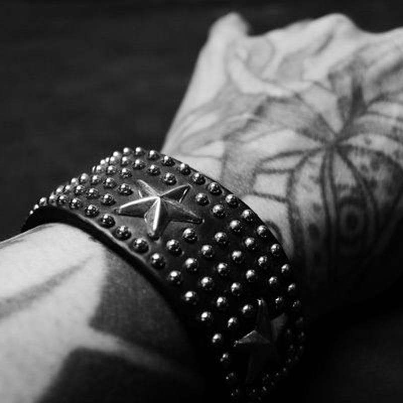 25mm Width Studs Bracelet/Surround The Star With Round Studs