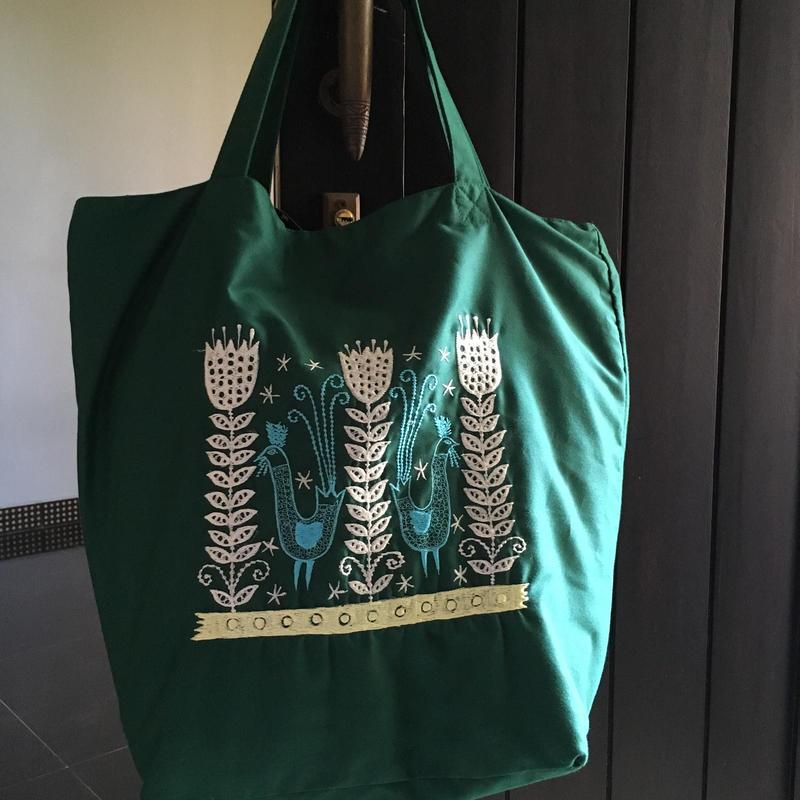 刺繍緑かばん