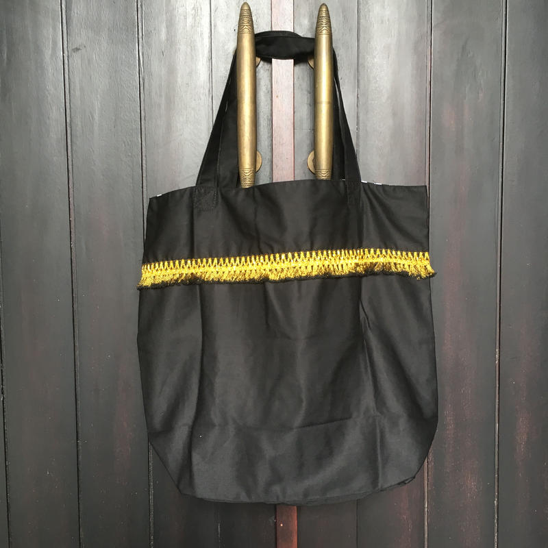 黒色フリンジかばん2