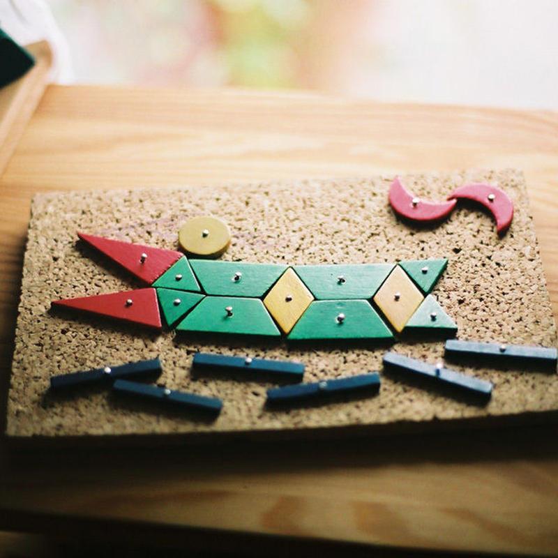 〈4才-〉【色・形の構成遊び玩具】【叩く遊びの玩具】小さな大工さん