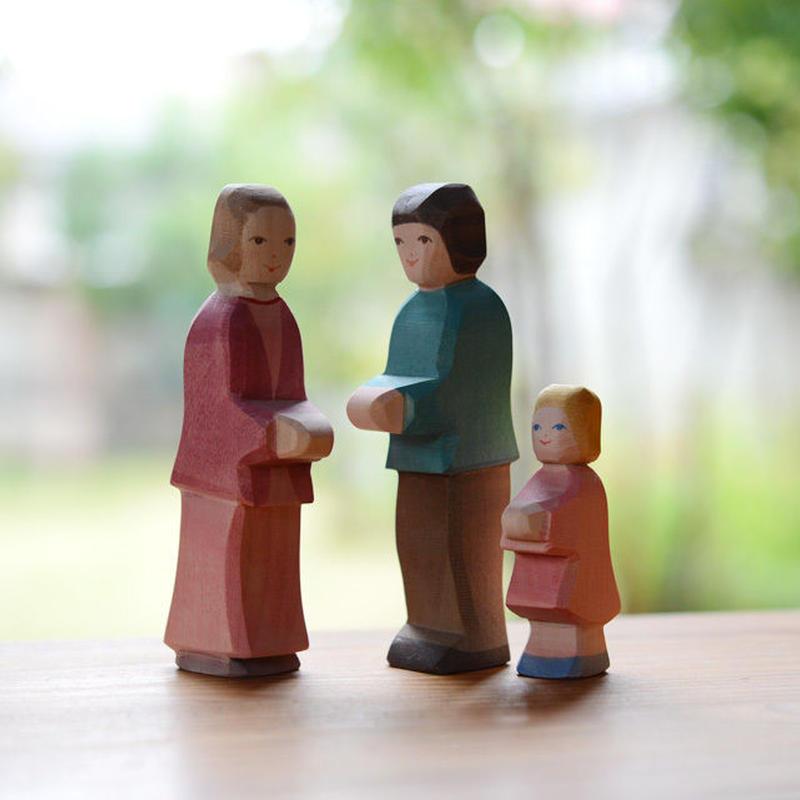 〈2才-大人〉【想像力】【お話作り】オストハイマー お父さんお母さんと女の子セット