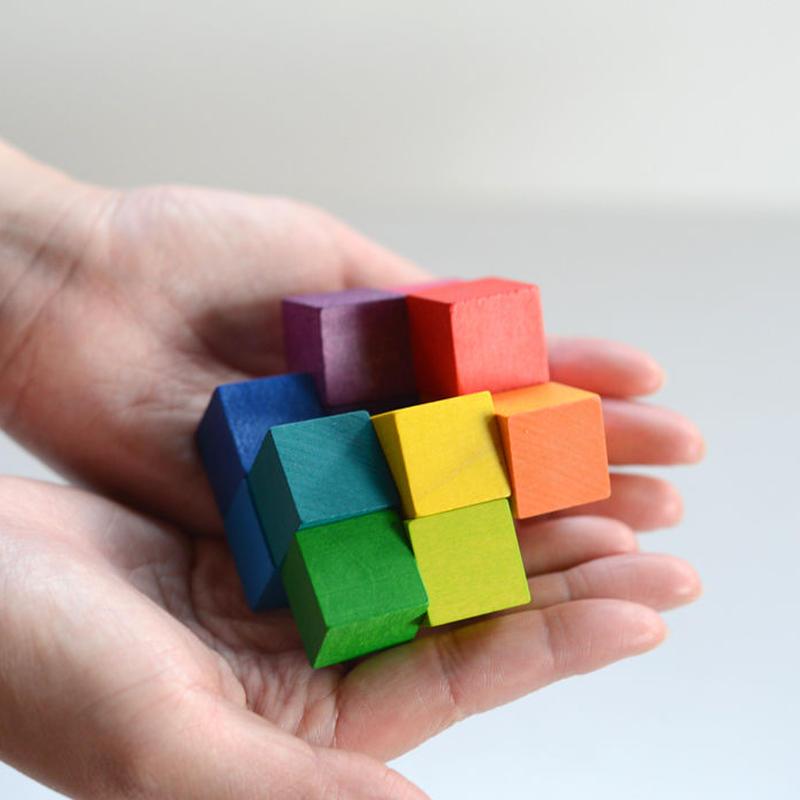 〈8ヶ月-1才〉【ベビー/ラトル】 【指先を使う玩具】 ベリアート・キューブ 小