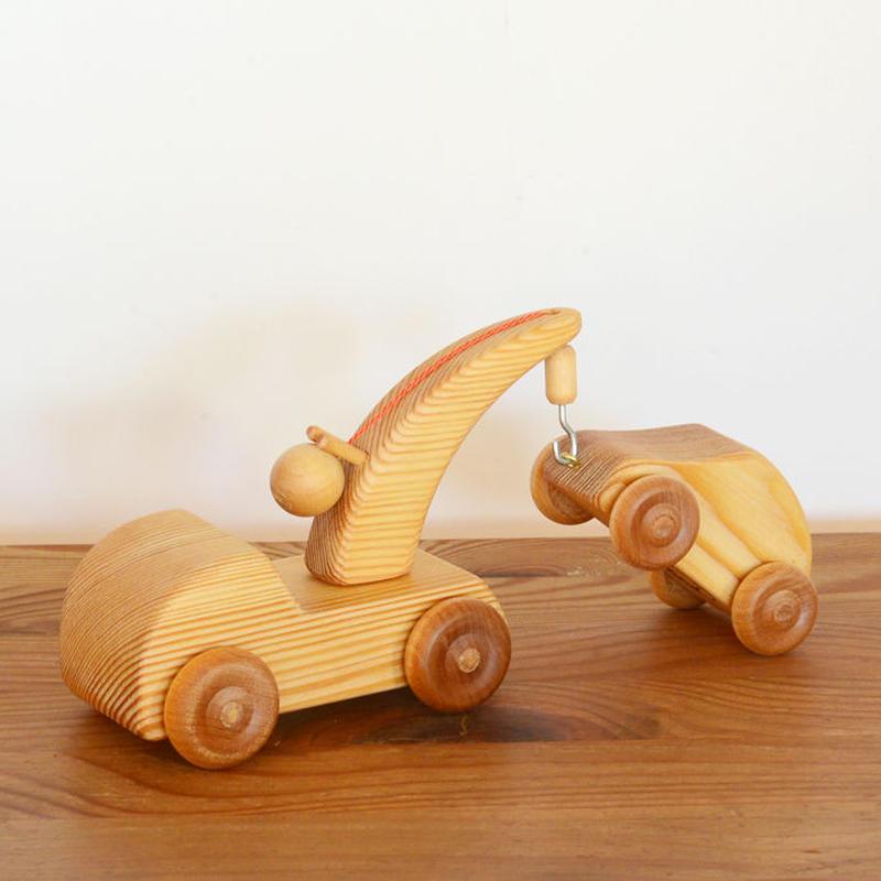 〈2才-4才〉【車】北欧のレッカー車 (小)