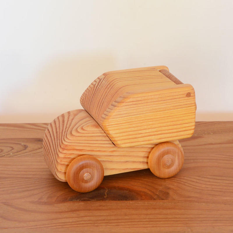 〈1才-〉【車】北欧の郵便車 (小)