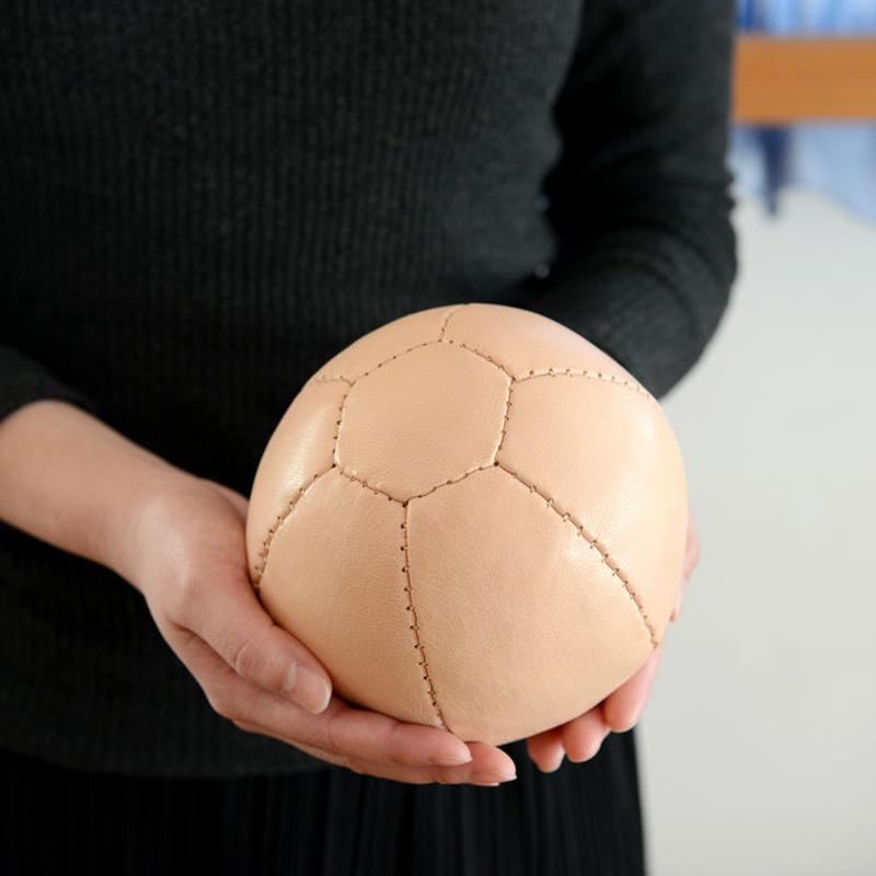 ※在庫限り※〈10ヶ月-〉【ボール/革製】ジムナスティックボール ・ナチュラル(直径約14cm)