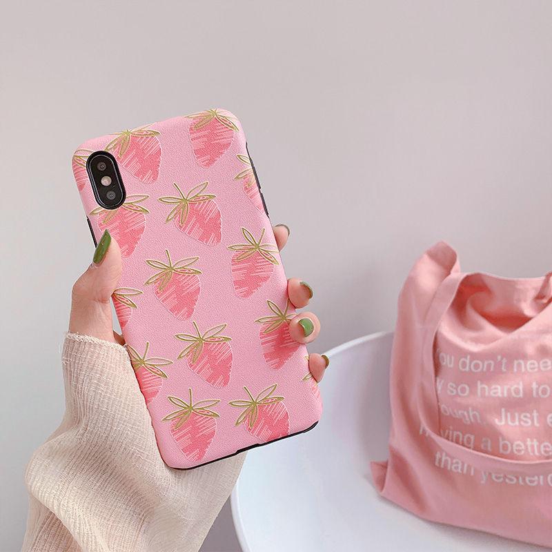 【N415】★iPhone 6 / 6s / 6Plus / 6sPlus / 7 / 7Plus / 8 / 8Plus / X / Xs ★iPhone ケース イチゴ