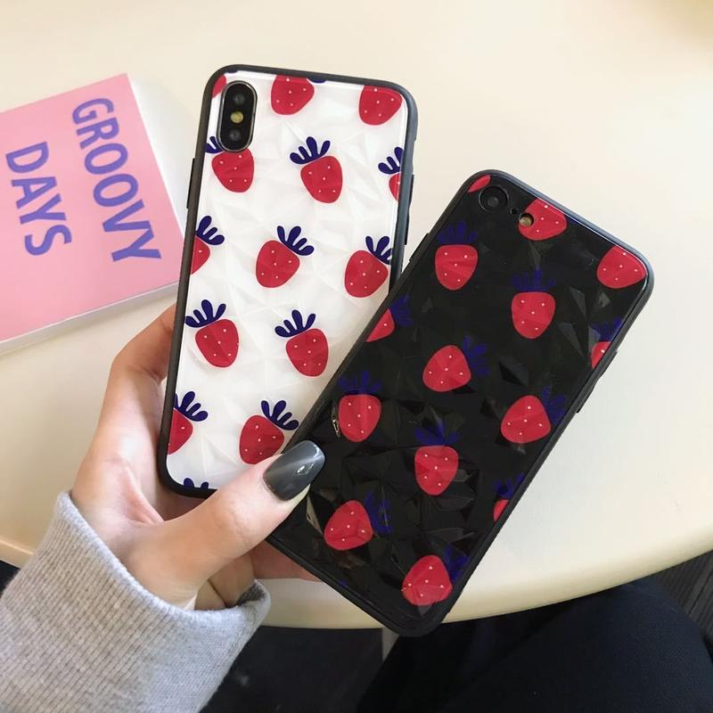 【N224】★ iPhone 6 / 6s / 6Plus / 6sPlus / 7 / 7Plus / 8 / 8Plus / X/XS ★ シェルカバー ケース イチゴ