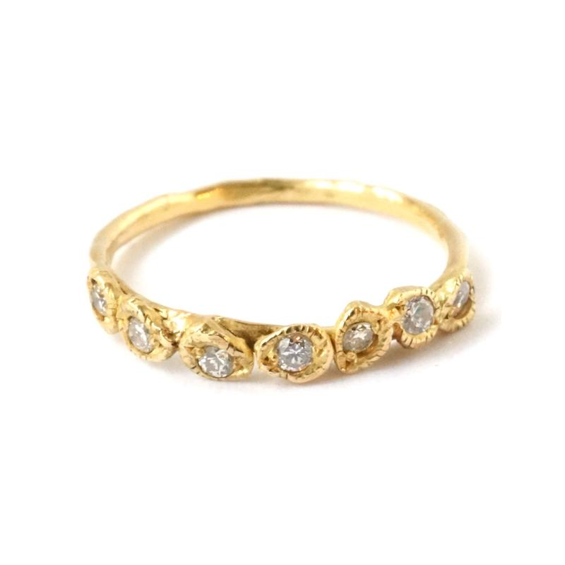 CLASSIC SEVEN DIAMOND リング