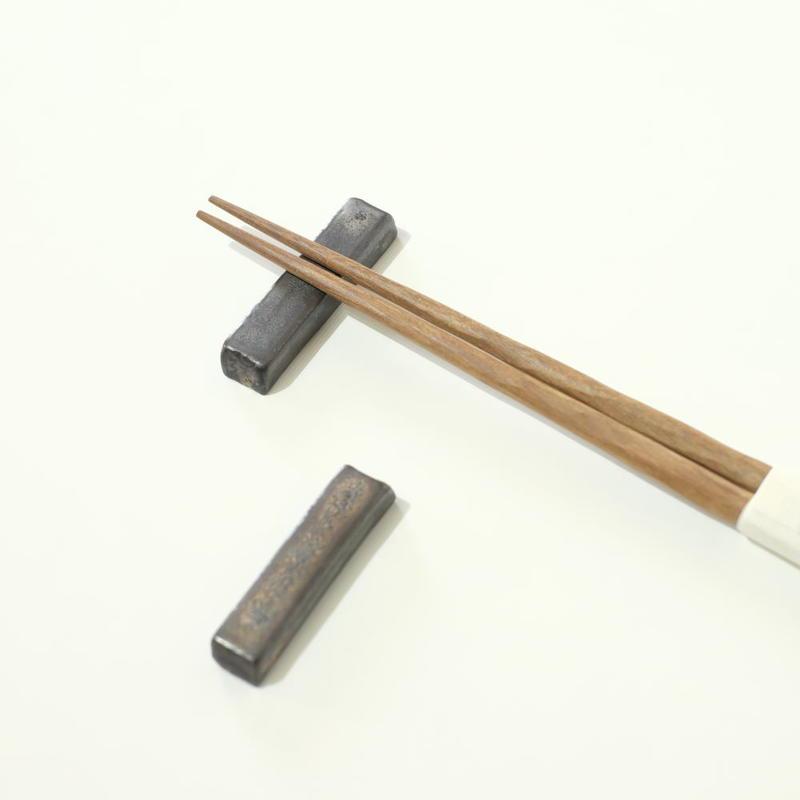 比地岡 陽子 金彩 箸置き2つセット(実物写真)