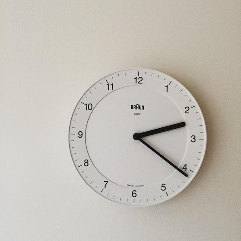 ブラウン 掛時計
