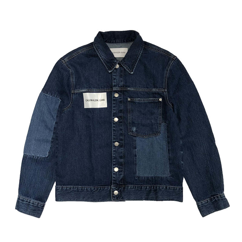 CALVIN KLEIN JEANS   PATCHED TRUCKER JACKET   DELTA BLUE