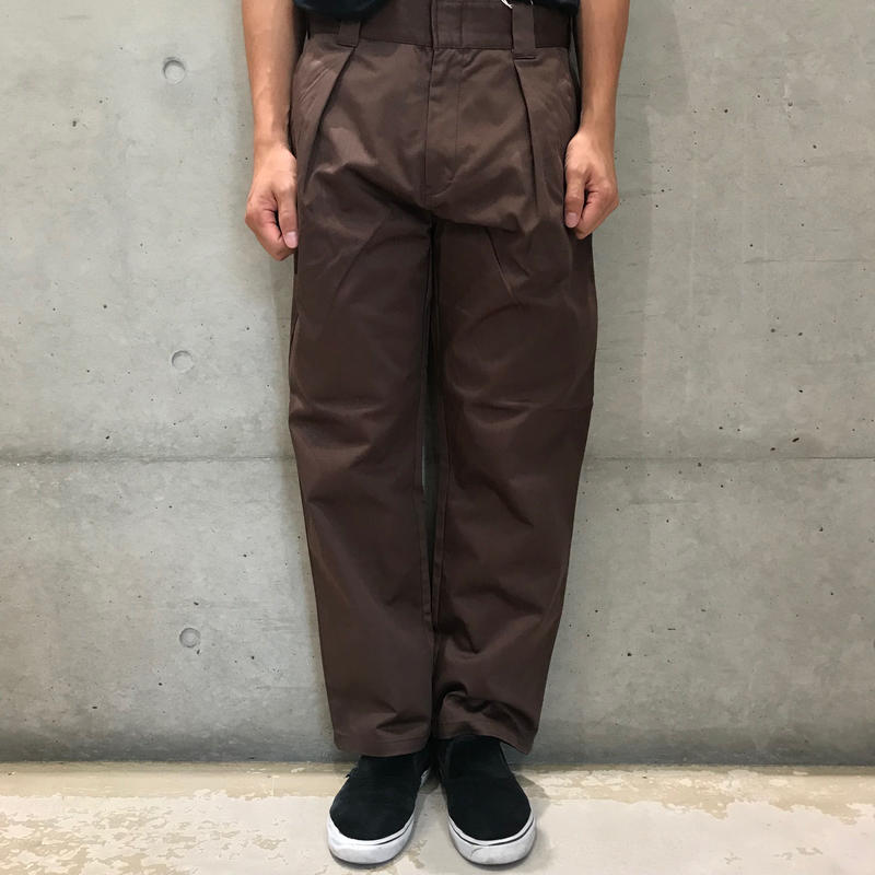 COWDEN ONE TUCK TROUSER BROWN