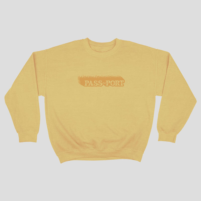 PASS~PORT  PIGMENT DYED SWEATER YELLOW