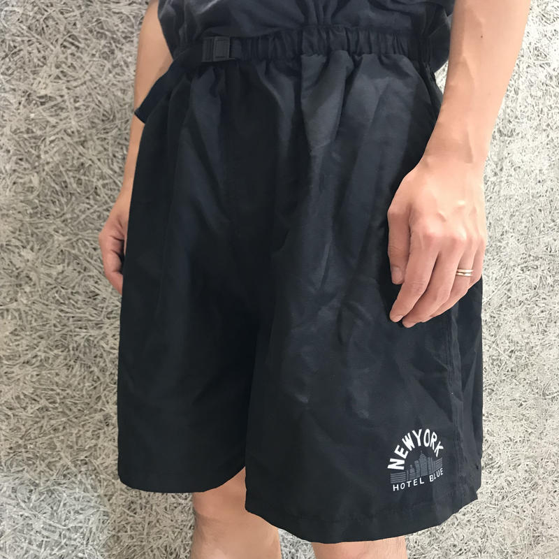 HOTEL BLUE SKYSCRAPER SHORTS BLACK