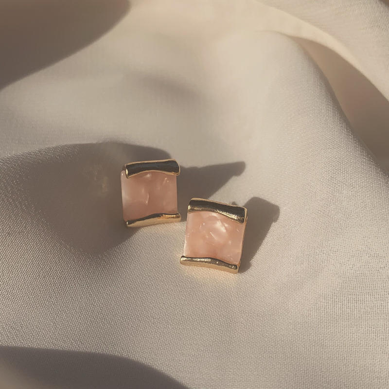 pink shell stud earrings (post silver925)