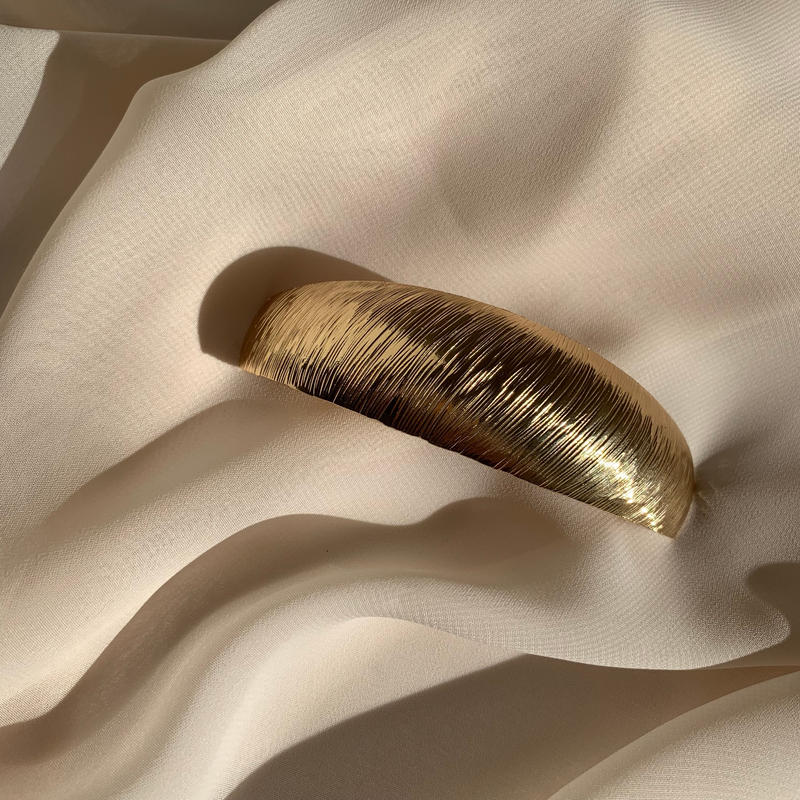 oval slash type barrette