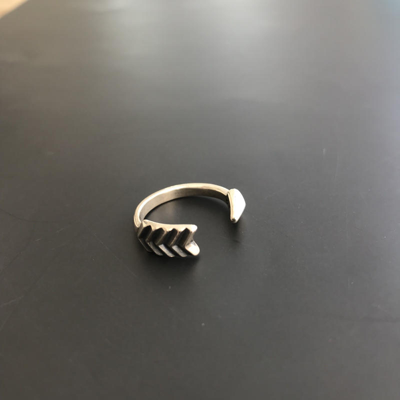 CODY SANDERSON - Ring Single Arrow