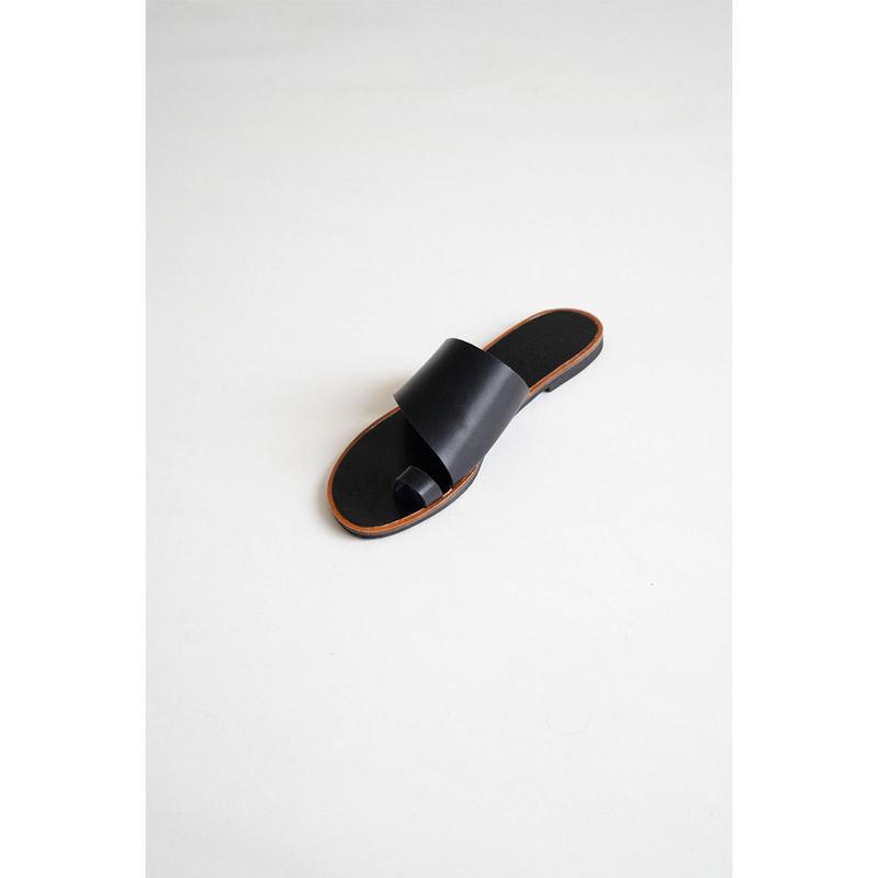 Finger hook sandal