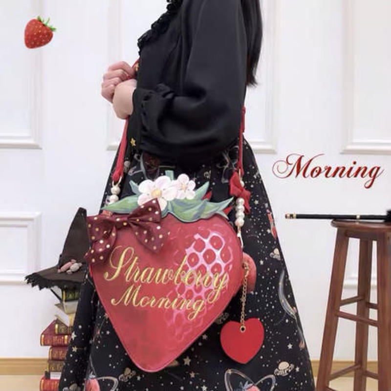 【専用商品】絵本苺のポーチとリボン付き大&小バッグ(合計3点)