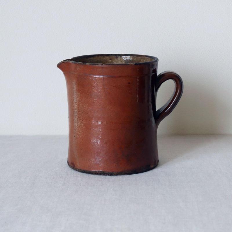 陶器のジャグ