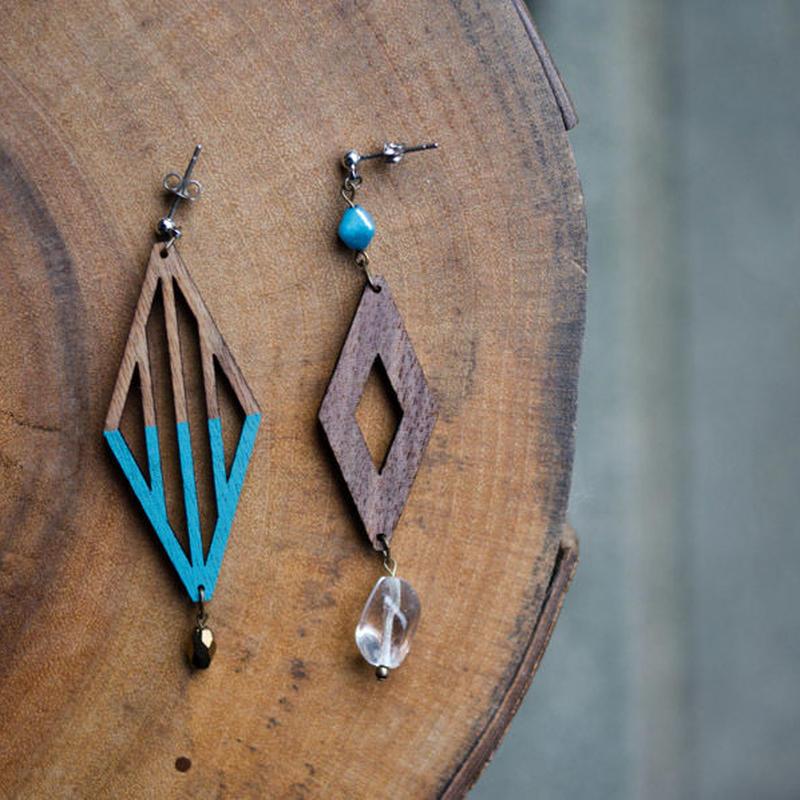 チェコガラスと木のダイヤピアス