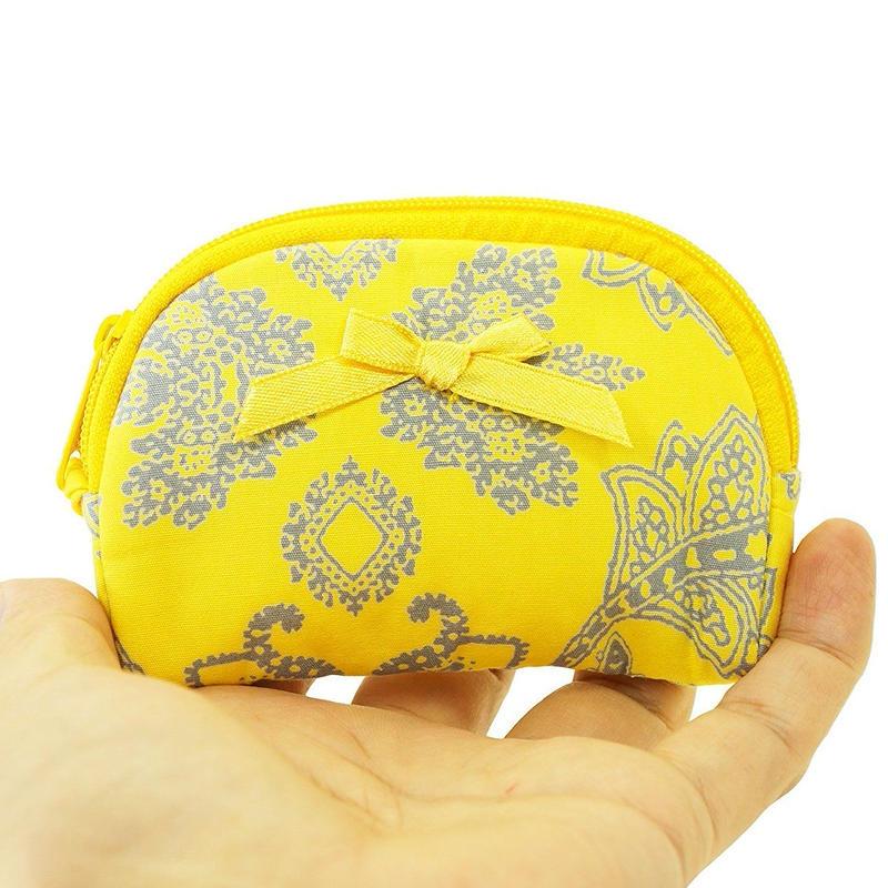 リボンバッグで有名なタイ・NaRaYa(ナラヤ) 手のひらマチ無しコスメケース(ジュエリーケース・コインケース)・イエローペイズリー ( NB-384 )