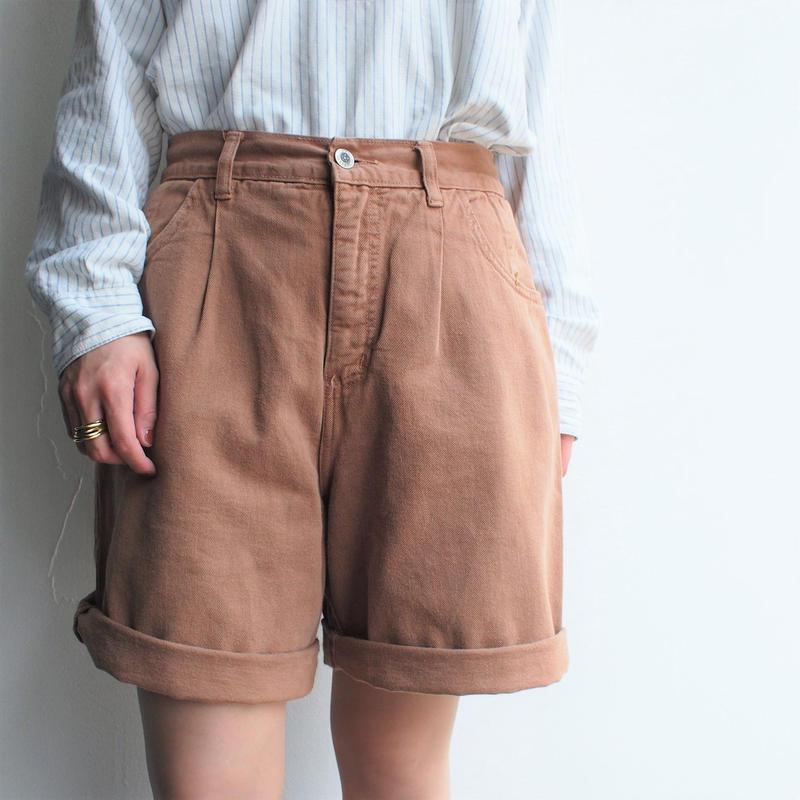 Terra‐cotta color short pants
