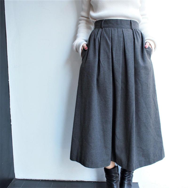 Gray flea wool long  skrit